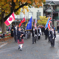 Parade arrives at the cenotaph