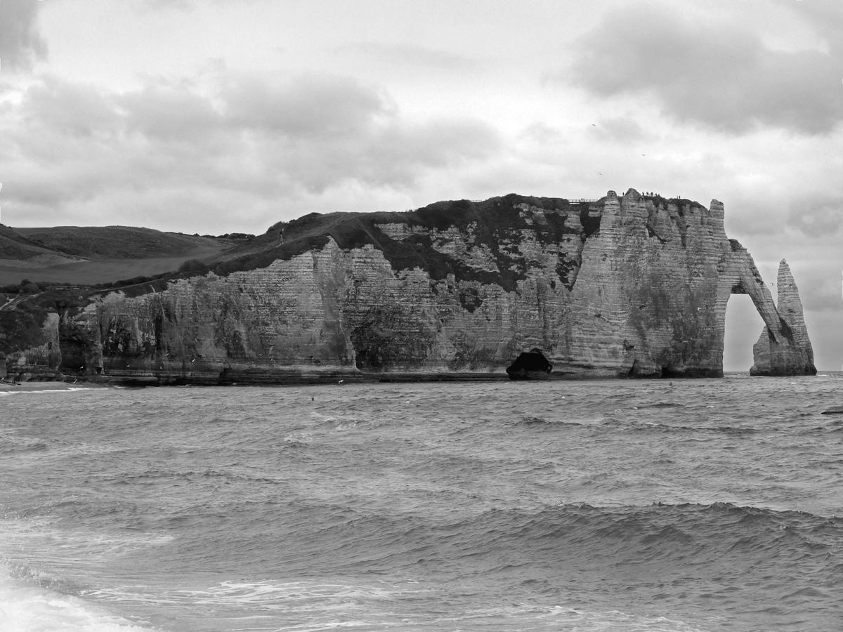 Les falaises d'Etretat on the coast of Normandy